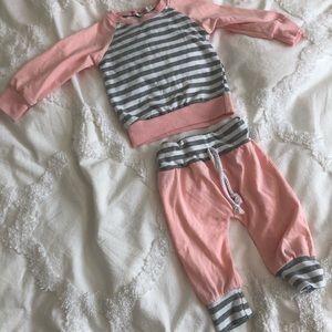NWOT top & matching pants - pink/gray/white
